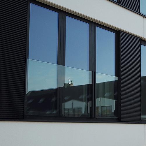 Garde-corps en verre fenêtre