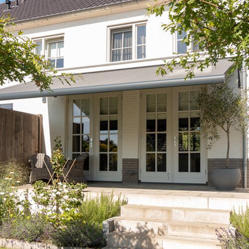 protections solaires pour portes et fenêtres