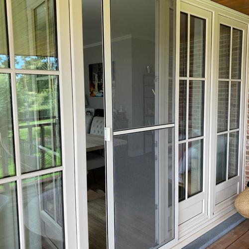 Fabrication et installation de moustiquaires