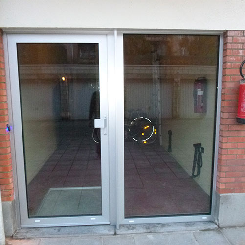 Porte d'entrée immeuble aluminium