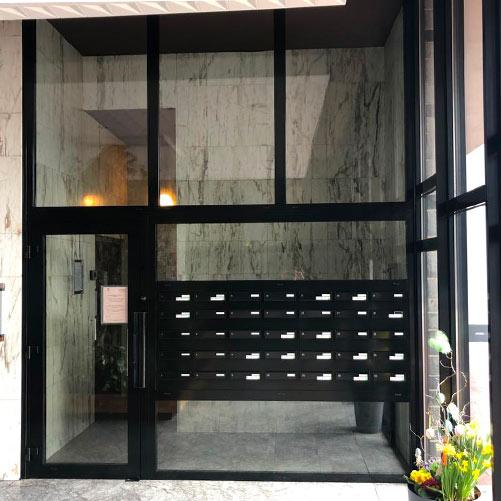 Porte d'entrée moderne aluminium noire
