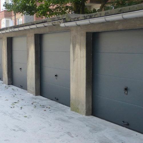 Portes de garage grises installée