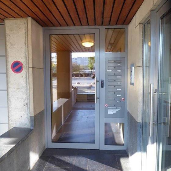 Porte entrée immeuble Bruxelles